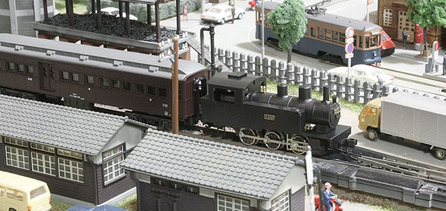 標準型Cタンクと客車