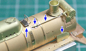 給水温め器配管など